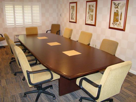 Auburn, CA: Coloma Boardroom seats up to 12 people