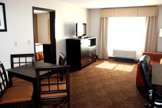 Houghton, MI: Suite