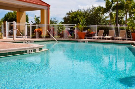 Photo of Holiday Inn Express Hotel & Suites Universal Studios Orlando