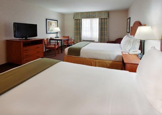 เวสต์ลีย์, แคลิฟอร์เนีย: Our spacious rooms offer two queen sized beds