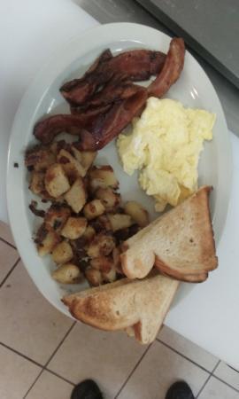 Port Canaveral, Flórida: Hugh hot breakfasts!