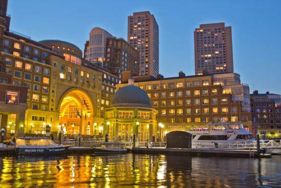 Boston Harbor Hotel: Exterior