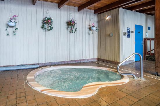 Sandpoint, ID: Hot tub