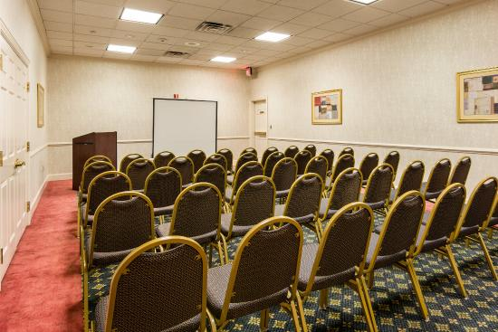 Quality Inn Camp Springs-Andrews AFB: Meeting Room