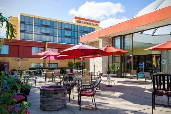 Crowne Plaza Hotel Reading: Guest Patio