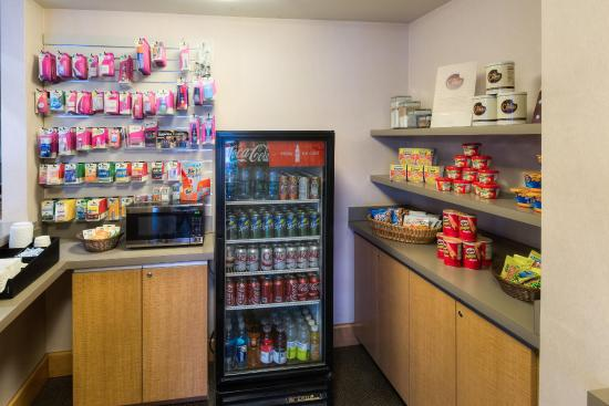 Fairlawn, OH: Pantry