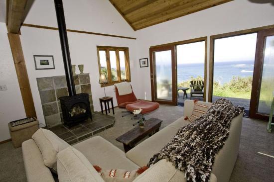 Little River, CA: Oceanfront Luxury Home