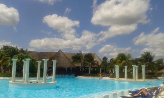 grand palladium white sand resort u spa piscina con jacuzzi exteriores