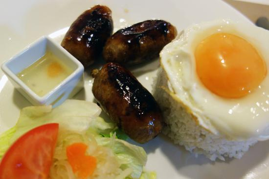 Etterbeek, Bélgica: Longganisa with egg and rice!