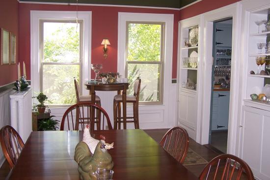 Brandon, VT: The dining room