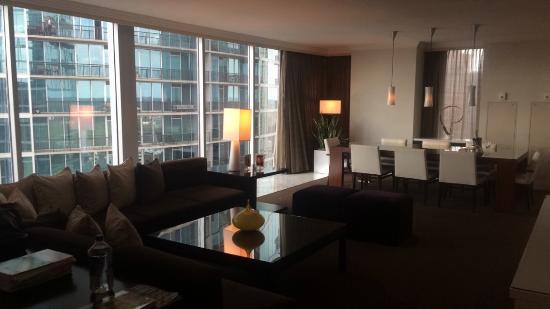 Loews Atlanta Hotel Photo