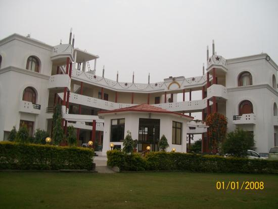 Hotel Sanctuary Resort: Architectural View of resort
