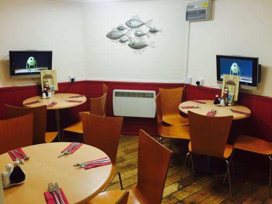 Lynbay Fish and Chips : Restaurant seating