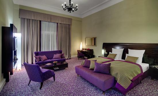Hotel Atlantic Kempinski Hamburg: Deluxe Room Lake View