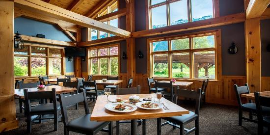 Pemberton, Canadá: Rustic Elegance Dining at Fescues Restaurant