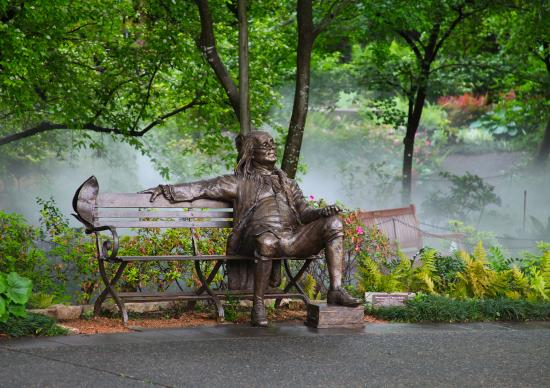 Dallas Arboretum & Botanischer Garten: The Great Contributors Bronze Statue Exhibit