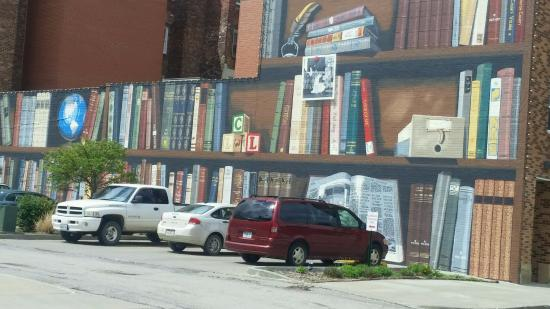 Chillicothe, MO: Mural, one of many.