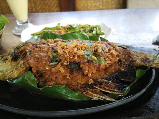 Resto Sunda Ulasan Rumah Makan Cibiuk Garut Indonesia Tripadvisor