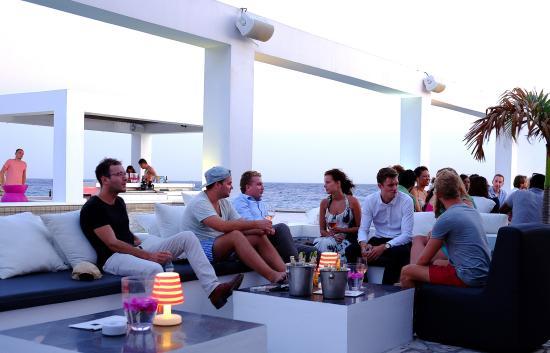 Saint Tropez Ocean Club Apartments & Suites: Lounge area