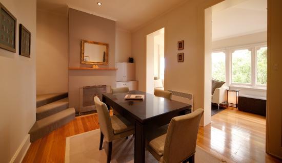 New Norfolk, Australia: Living Room adjoining to the Sunroom