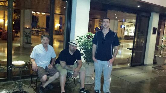 Melia Las Americas: waiting for the bus to leave amazing trip!