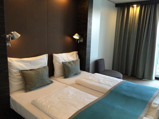 Motel One Salzburg-Süd: photo0.jpg