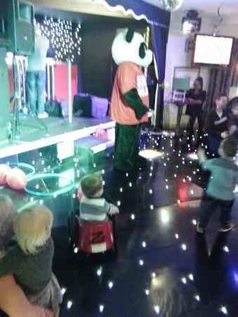 Sunnyvale Holiday Park : Kids hour with Patch the Panda.