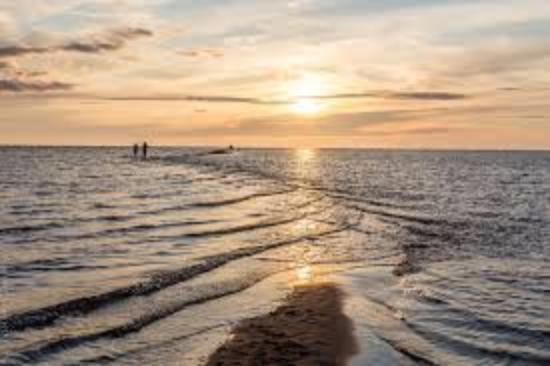 Kalajoki, Finlandia: Tule kokemaan Hiekkasärkkien kaunis auringonlasku