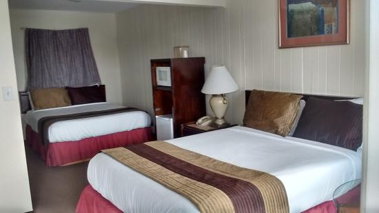 Blue Coast Inn & Suites: our new rooms