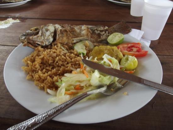 Isla Baru Food Guide: 7 Must-Eat Restaurants & Street Food Stalls in Isla Baru