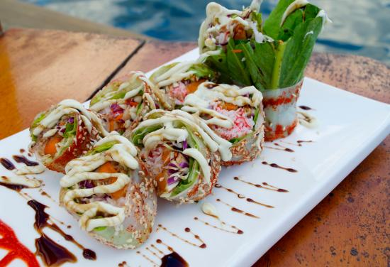 Raw Fusion : Crab Roll with Rice Paper