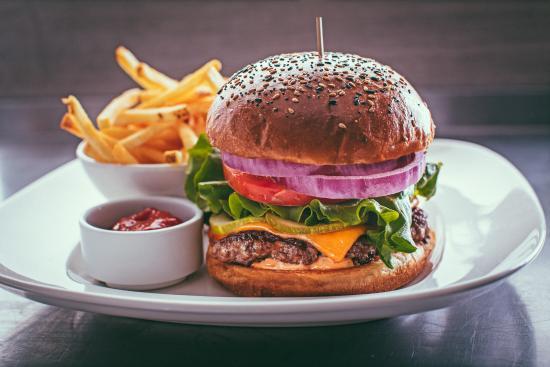 Sherwood Park, Kanada: Hand Pressed Burger