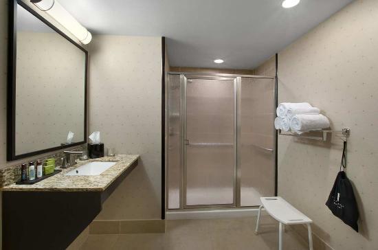 Ridgeland, MS: Suite Bathroom