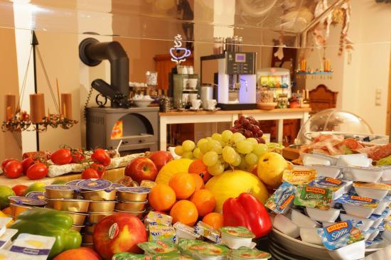 Isernhagen, Alemania: Frühstücksbuffet
