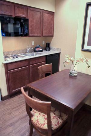 Englewood, CO: Kitchen