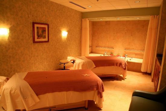 Loveland, CO: Couples Massage Suite