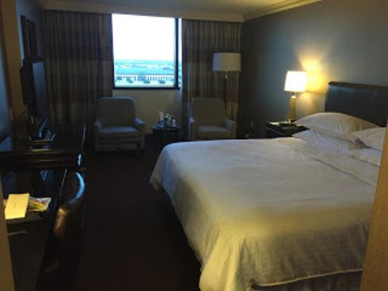 Sheraton Dfw Airport Hotel Dallas Fort Worth Room