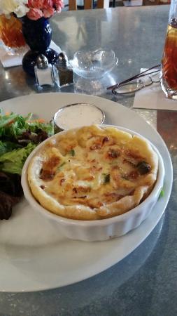 Crady's Eclectic Cuisine on Main: Amazing crab amd brie souffle and stuffed portabela mushroom