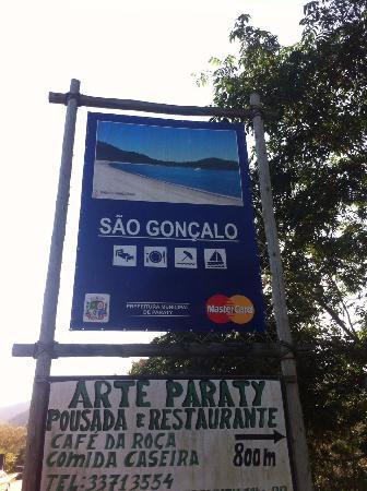 Praia de Sao Lourenco, SP: Acesso através da BR 101 sentido Paraty - Rio deJaneiro
