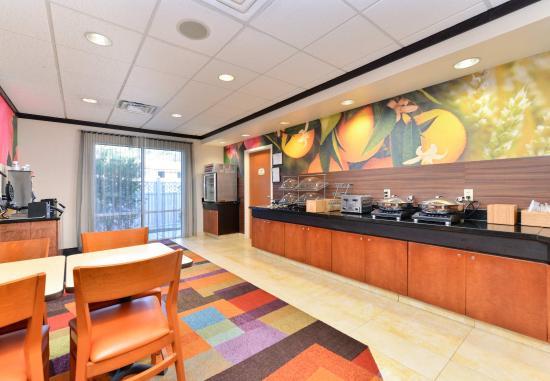 Kingsland, GA: Breakfast Buffet