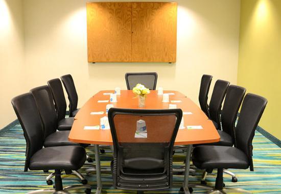 Windsor Locks, CT: Boardroom