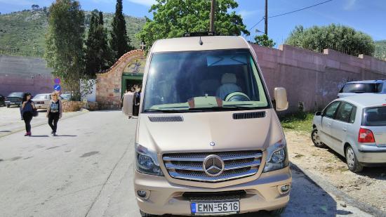 Adamas, Grecja: MiniBus Services
