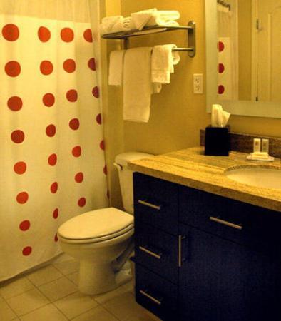 Roseville, Californië: Guest Bathroom