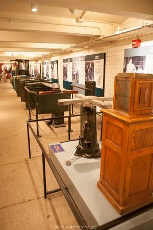 New York Transit Museum : Ticket turnstiles through the ages