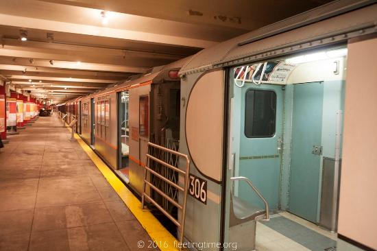 New York Transit Museum : Some old carriages