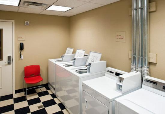 Easton, بنسيلفانيا: Guest Laundry Center