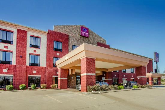 Portland (TN) United States  city photos : Comfort Suites Portland, TN UPDATED 2016 Hotel Reviews ...