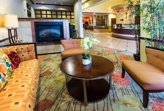 Duncanville, TX: Our lobby let's you relax while you wait for your group or for your ride.