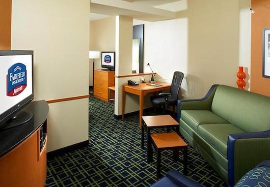 Cumberland, Maryland: King Suite