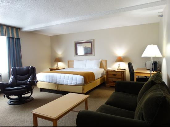 Big Mountain Lodge: Single King Suite